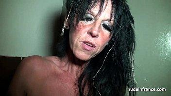 Мулатку пердолит бразилец твердым фаллосом в анус