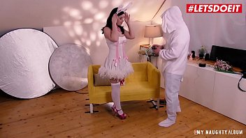 Куколд смотрит как смелый перец трахает его жену