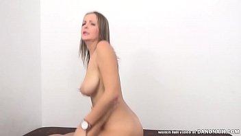 Из представленной вам русской девчоночки выйдет неплохая порно актриса