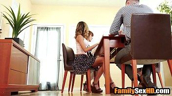Приятель трахает очкастую бабушку с большими сисяндрами на кресле