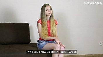 Сочная русская красотка завела для себя ухажера заграницей для анального порева