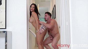 Жена с симпатичным телом подготовленна всегда ублажать родненького мужа