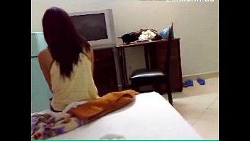 Жопастая японочка задремала в нижнем одежду на кровати