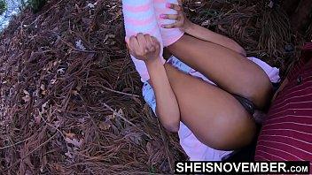 Лесбиянка гинеколог загоняет страпон в жопа пациентке