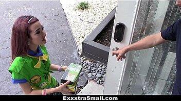 Старая баба блудит в гости к очередному соседу и позволяет ему полапать крупные сиськи